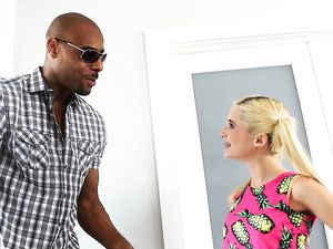 Tiny Girl Fucked By The Tall Black Guy With BBC