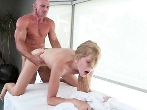 Fine Ass Girl And The Masseur Fuck On The Table