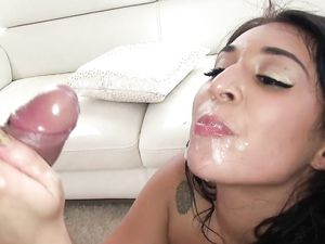 Pool Guy Fucking A Lovely Cute Teen And Cum In Her Mouth